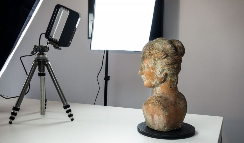 Next Generation Sense 2 3D Scanner Review - Tripod 2
